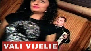 getlinkyoutube.com-Vali Vijelie - Sa iubesti doua femei (Video)