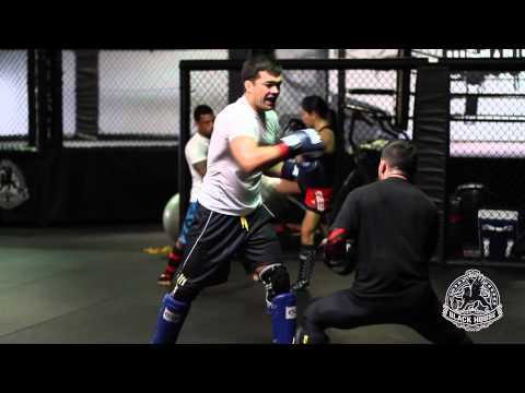 Black House MMA : Striking Drills with Lyoto Machida and Pedro Munhoz