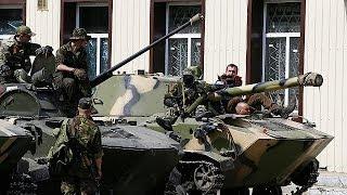 Publicado el 16/04/2014 / Blindados del Ejército ucraniano se pasan al bando prorruso en Slaviansk