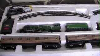 getlinkyoutube.com-Hornby Flying Scotsman A3 A4 LNER Twin Tender / USA Tour / Millennium Gold Plated Limited Edition