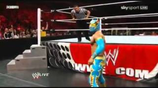 getlinkyoutube.com-Sin Cara first WWE Match