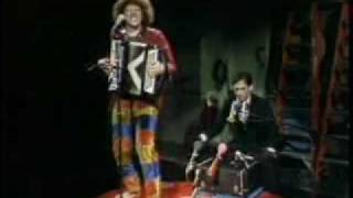 "getlinkyoutube.com-""Weird Al"" Yankovic - Another One Rides the Bus"
