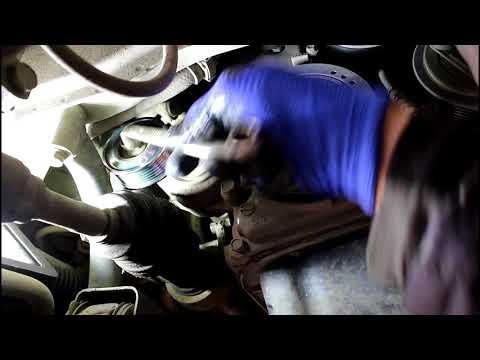 Замена приводного ремня и роликов Mazda Demio 1,3 2004 Мазда Демио