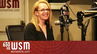 getlinkyoutube.com-Mary Chapin Carpenter | Coffee, Country & Cody | WSM Radio