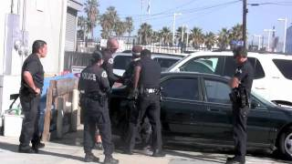 getlinkyoutube.com-A man was yelling at KTLA news Reporter Wendy Burch  LAPD called