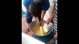 getlinkyoutube.com-Ralando milho para fazer pamonha com rapidez