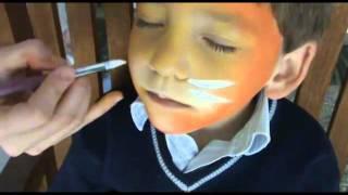 getlinkyoutube.com-Cómo hacer un maquillaje de León o Tigre para niños
