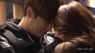 getlinkyoutube.com-Lee Jong Suk & Park Shin Hye ♥♥♥ Lovely  Moment [Pinocchio BTS]