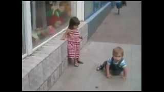 getlinkyoutube.com-أجرأ وأخطر طفل فى العالم