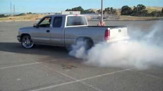 getlinkyoutube.com-REAL!! BIGGEST BURNOUT EVER! Chevy Silverado