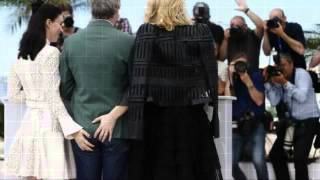 getlinkyoutube.com-Cannes Festival : Butt grab! Cate Blanchett and Rooney Mara caught with hands on director's derrière