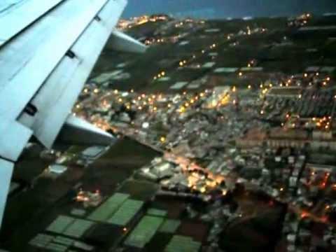 L'ATTERRISSAGE AVION BOEING 737 SUR L'AÉROPORT D'ALGER CENTRE (DAR EL BAIDA ) LE 19-01-2013