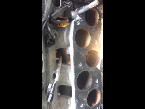 Расположение датчика детонации в Acura MDX