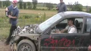 getlinkyoutube.com-Davidsfarm   1129   67eY3A8O8j4   SQ   Extreme air car jump in a honda Vtec civic