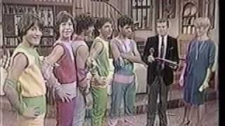 getlinkyoutube.com-Menudo - 10 Anos de Historia (part 3)