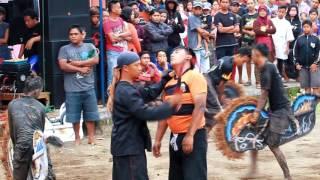 getlinkyoutube.com-Kuda Lumping Ngamuk Penonton Tunggulwulung Malang