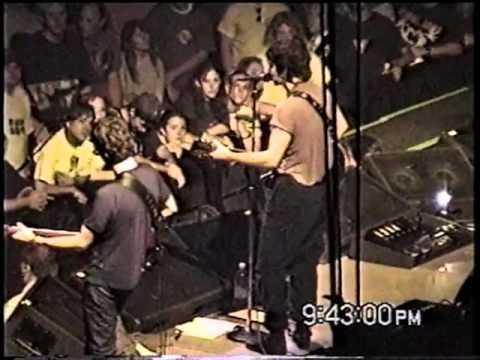 Pearl jam - Reunion Arena, Dallas, TX, USA (05-07-1998)