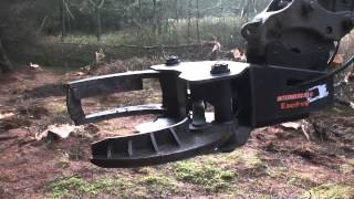 getlinkyoutube.com-VOLVO EC140D EXCAVATOR WITH TIGERCUT TREE SHEAR