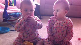 getlinkyoutube.com-twin babies fighting over toys