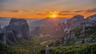 Meteora Greece - Amazing 4K Sunset & Sunrise Time Lapse