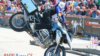 getlinkyoutube.com-BMW R 1200 GS, BMW Motorrad Days 2013, Chris Pfeiffer, Stunt Riding, GS 1200, R 1200 GS LC