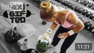 getlinkyoutube.com-(◕‿◕)♡ Сильные девчонки с тяжелыми гирями 32кг