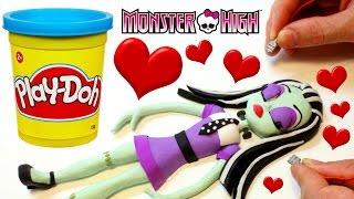 getlinkyoutube.com-Monster High Doll Frankie Stein PLAY DOH BEST STOP MOTION VIDEOS Dolls
