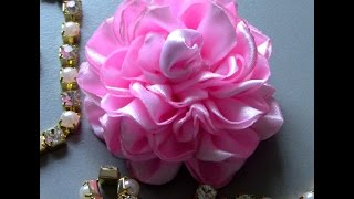 getlinkyoutube.com-Novo modelo de Rosa de Fitas com varias petalas - Pink tapes