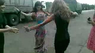 getlinkyoutube.com-Смотрите и учитесь,как танцуют девушки Кавказа))).flv