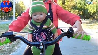getlinkyoutube.com-✔ Беби Борн и Ярослава. Прогулка на Велосипеде / Baby Born and Yaroslava. Walking on the bicycle ✔