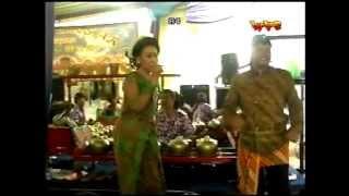 getlinkyoutube.com-CAMPURSARI ''CONDRO LARAS'' BATALYON ARHANUDSE 10 (Sri Huning)
