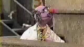 getlinkyoutube.com-Sesame Street - Dr. Nobel Price's wake-up machine
