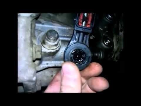 Очистка механизма переключения передач на Ford Fusion.mp4
