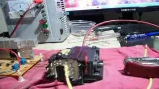 getlinkyoutube.com-Diferencia del Alto Voltaje entre el Alto Amperaje (Demostracion)