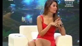 MARIA Selena belahan merah