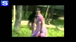 getlinkyoutube.com-Chikne chameli bd girl dance by Shahid/244