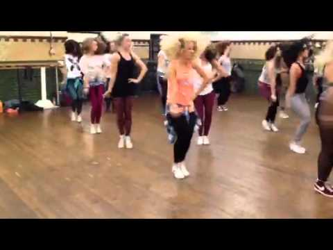 Marina and the Diamonds Heartbreaker Choreography