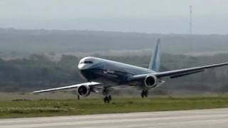 getlinkyoutube.com-Giant Boeing 767 - RC Jet Turbine Power - Full Flight