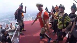 getlinkyoutube.com-سقوط آزاد از برج مالزی