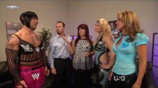 getlinkyoutube.com-Beth Phoenix,Rosa & Santina Backstage