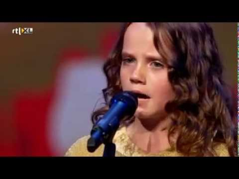 Amira  verbijstert iedereen met opera   HOLLAND'S GOT TALENT