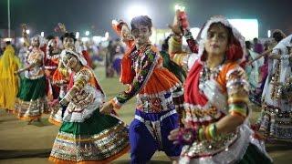 getlinkyoutube.com-Live Gandhinagar Cultural Forum Navli Navratri 2015: Day 1 Garba