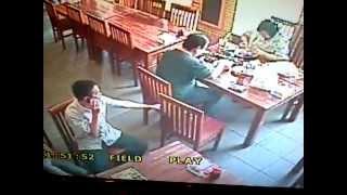 pencurian di sebuah restoran daerah PLUIT 28-11-20012