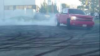 getlinkyoutube.com-Truck burnouts! (diablos meet 2013) so cal trucks