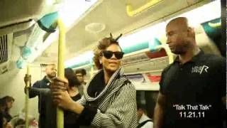 getlinkyoutube.com-Rihanna Rides Subway to London Show