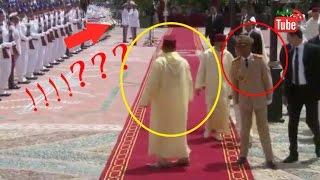 getlinkyoutube.com-خطأ فادح في البروتوكول من الحرس الملكي يضع محمد السادس في موقف محرج