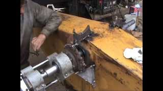 getlinkyoutube.com-Caterpillar 235 Bore welding and Line Boring continues