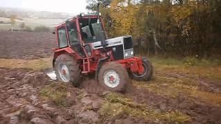 Belarus 526HX plowing