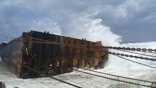 getlinkyoutube.com-Mammoet Salvage - Wreck removal of a container ship in South Africa