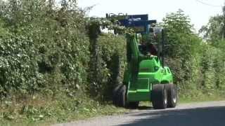 getlinkyoutube.com-Avant Slanetrac Swivel Trim hedge cutter/ trimmer